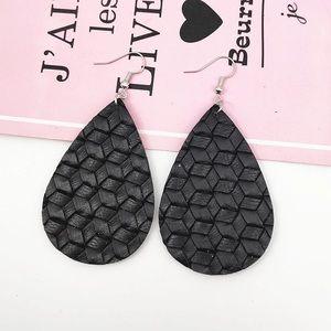 🖤 Black Basket Weave Earrings 🖤